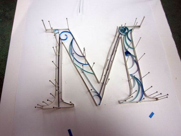 Quilled monograms -cheap, easy, no special equipment: 6 steps.