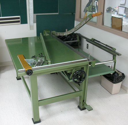 paper shear Items 1 - 15 of 89  guaranteed low prices on guillotine paper cutters and guillotine paper trimmers  choose from our wide variety of guillotine paper cutting.